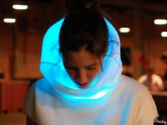 "Hi-Tech ""Mood Sweater"" Changes Color According To Your Emotions"