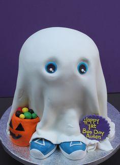 cute ghost cake