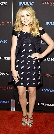"""Chloe Grace Moretz rocks a navy blue and white Christian Dior couture dress for the New York screening of """"The Equalizer"""""""