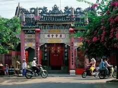"""Culture: 87.3 Friendliness: 84.3 Atmosphere: 90.9 Restaurants: 73.1 Lodging: 80.3 Shopping: 68.4 The atmosphere in this """"dynamic"""" small Vietnamese city launched it to the No. 2 spot; readers fell in love with the """"colorful houses and old mansions,"""" which """"felt like walking in a movie."""""""