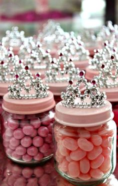 How to make Princess Baby Jar Favors ~ These would be perfect for a princess birthday party, a baby shower, or even a bridal shower!