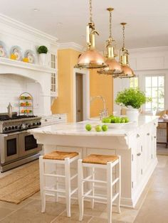Coastal kitchen with hint of yellow