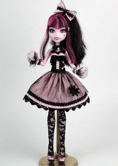 Lolita Draculaura ooak custom monster high vampire doll