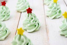 christmas tree meringue cookies- so cute!  holiday, tree meringu, idea, meringu cooki, food, christma tree, cook recip, cookies, christmas trees