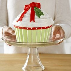 christmas cupcake, I know someone that has this pan, I'm just sayin'