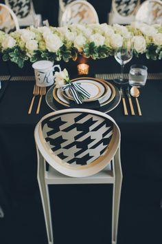gold weddings, galleri, dinner parties, modern weddings, black white, white weddings, black gold, white gold, wedding chairs