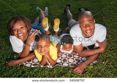 love this  pose for a family pose