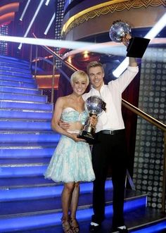 'DWTS' Winner: Kellie Pickler Takes Home the Mirrored Ball
