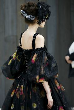Back to #black - #ChanelHaute Couture S/S 2013