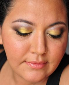 29/365 Days of Makeup IV with Maybelline Pigments in Wild Gold and Mystery Black.