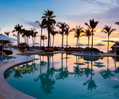 Honeymooners can take in the spectacular Mexican sunset without having to leave their lounge chairs.