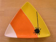 candy corn Halloween plate candi corn, pottery painting ideas, potteri paint, pottery paint ideas, painting pottery ideas, candy corn, potteri idea, plate, spider