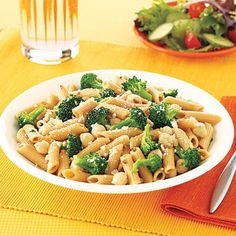 Quick and easy fall dinner ideas: Whole Wheat Penne Pasta with broccoli and chickpeas.