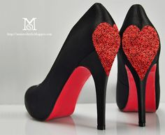 love love love LOVE!! diy fashion, valentine day, diy valentine's day, glitter shoes, queen of hearts, valentines day decorations, black heels, christian louboutin, gift idea