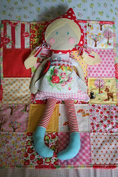 Adorable doll quilts. My appreciation of having 2 little girls gets bigger every time I are things like this :)