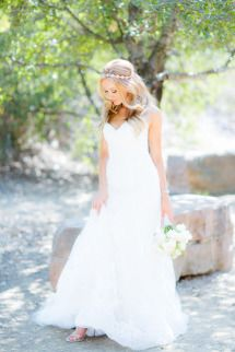 Los Angeles Estate Garden Wedding: http://www.stylemepretty.com/little-black-book-blog/2014/08/18/los-angeles-estate-garden-wedding/ | Photography: The Youngrens - http://theyoungrens.com/portfolio/