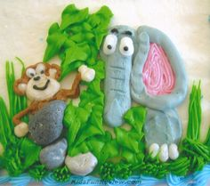 Super cute jungle birthday cake idea.