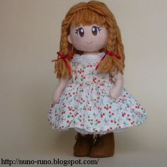 Cute Felt Doll - free pattern and tutorial from Nuno-Runo.blogspot.com