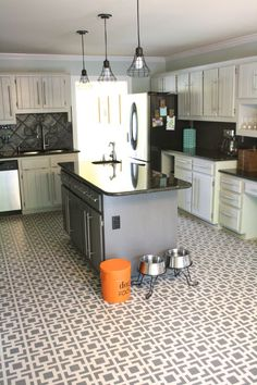 Budget kitchen remodel by Designer Trapped in a Lawyer's Body | Hollywood Squares | Royal Design Studio