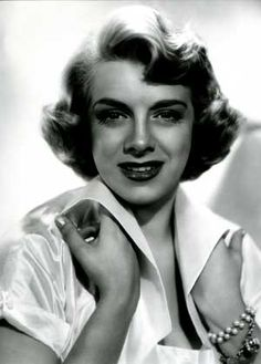 Rosemary Clooney 1928-2002 (Age 74) Died from Lung Cancer