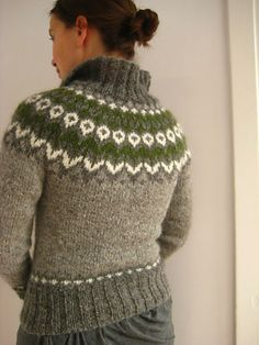 free knitting pattern cardigan sweater fair isle needle 4.5mm and 340m light grey, 306m medium grey, 45m green, 40m white