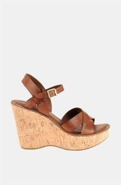 Great & comfortable wedge sandal!