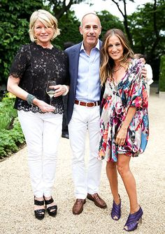 Martha Stewart, Matt Lauer and Sarah Jessica Parker confabbed on gravel at a dinner (co-hosted by Stewart and Dom Perignon) to fete the launch of P2-1998. Check out the shoes on SJP, gorgeous!