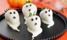How adorable are these Strawberry Ghosts?