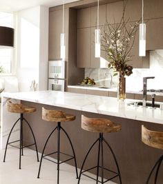 Kitchens on pinterest modern kitchens modern white for Marmol color chocolate