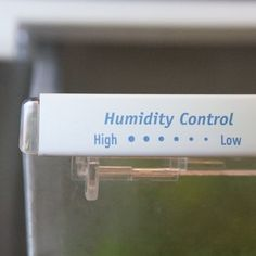 2012-10-03_How_to_use_Humidity_Drawer_Refrigerator_9.jpg