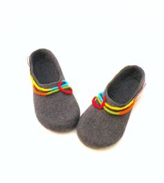 Felted wool slippers  handmade wool clogs  grey by AgnesFelt,