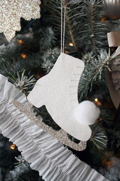 DIY:: Vintage Ice Skates Ornament (with Free Template)