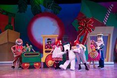 """It's Christmas, Snoopy!"" Ice Show #KnottsMerryFarm"