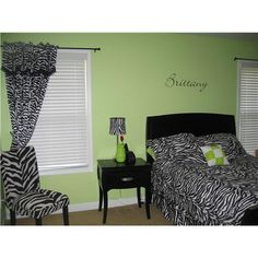 Teen Bedroom ~ uppercase living idea