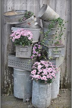 Outside decor with galvanized pails   * love this old junk, such a fabulous idea *