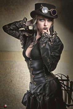 Steamgoth costume.