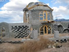 Michael Reynolds's Earthship homes shown in the documentary Garbage warriors.