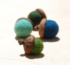 felted acorns Felted wool acorns