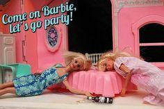 #WomenDrinkingBeer #barbie #drink #fun #girls #party #let's go party #beer beer, girl parties, giggl, barbi stori, bad barbi, parti barbi, barbie, barbi parti, drinks