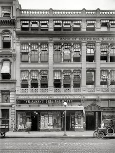 """""""We Always Sell The Best"""" Washington D.C, c. 1921 (via Shorpy Historical Photo Archive)"""