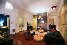 Budget travel: The best hostels in the world are in Lisbon!   Portugal Daily View   According to the hostel booking website hostelworld.com, the Portuguese capital is home to the best hostels in the world, recently distinguished at the 2012 edition of the Hoscar Awards.