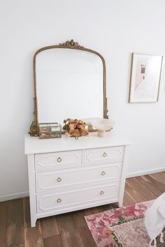 Gold gilt mirror on