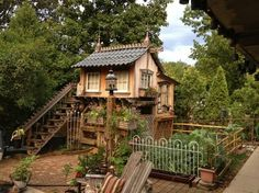 Tiny Home with garden ♥  I understand that there is a chicken coop beneath the top floor.