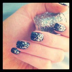 summer manicur, christmas nails, nail arts, sparkle nails, glitter nails, summer nails, matte black, sparkly nails, reader choic