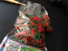 Rainbow Loom Christmas elasticits! Half green half red