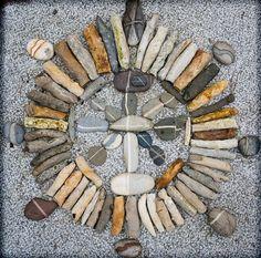 Stone mandala by Jos van Wunnik. Tumblr via zenfrogyeah