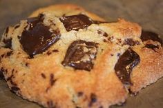 Low Carb, Gluten Free Chocolate Chip Cookies