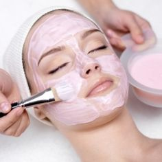 Homemade And Natural Whitening Facial Mask
