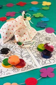 DIY Crayons + Free Printable Coloring Book #craft #kids #printable #favor