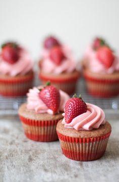 Strawberry Cupcakes ; Recipe here